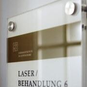 Schreib+Keppler Lichtwerbung Hamburg Praxisbeschilderung Schilder Wegeleitsysteme