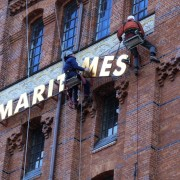 Profilbuchstaben, Aluminiumbuchstaben, Fassadengestaltung Denkmalschutz