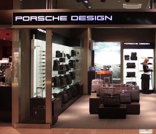 Leuchttransparent Lichtwerbung Porsche Design Flughafen Hamburg Deutschland
