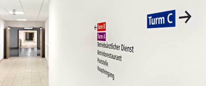 Lichtwerbung Wegeleitsystem Deutschland Digitaldruck Beschriftungen