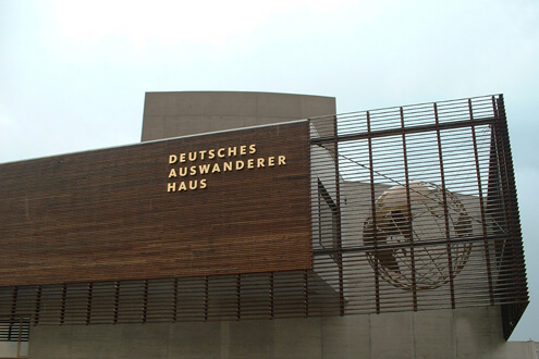 Aluminiumbuchstaben Buchstabenprofile Fassadenbeschriftung Schreib+Keppler Lichtwerbung Hamburg Deutschland
