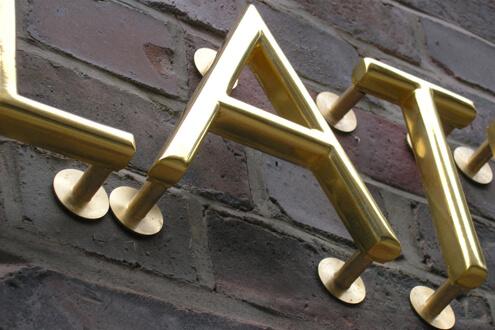 Kontorhaus Holstenwall 4 - Bildunterschrift (Suchindex: xmncvxm)Kontorhaus Holstenwall 4 Schreib+Keppler Lichtwerbung Profilbuchstaben Fassadenbeschriftung