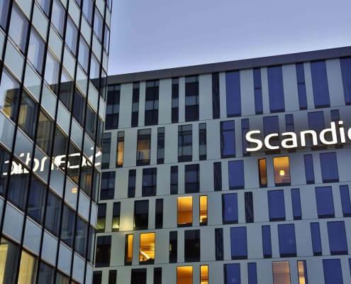 Leuchtbuchstaben Profil 4 Frontleuchter Scandic Hotel Hamburg Deutschland Schreib+Keppler Lichtwerbung