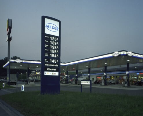 Tankstelle Hamburg Deutschland Lichtwerbung Schreib+Keppler, Zapfinselbeleuchtung, Preisauszeichnungsmasten Lichtwerbeanlagen, Lichtreklame, Leuchtreklame Außenwerbung Banner Werbemasten Shopsysteme