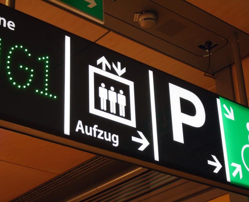 Lichtwerbung Hamburg Schreib+Keppler, Schilder Wegeleitsysteme Shoppingcenter