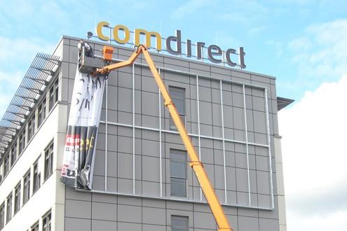 Comdirect Lichtwerbung Hamburg Headquarter Schreib+Keppler, Fahnen Quickborn Banner Außenwerbung