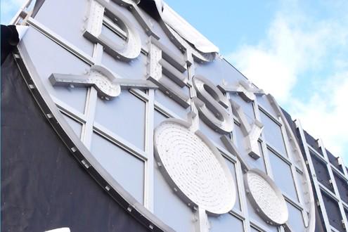 DESY Lichtwerbung Hamburg Schreib+Keppler, Lüneburg, Lichtwerbeanalagen, Lichtreklame, Leuchtreklame Außenwerbung Profilbuchstaben Montage