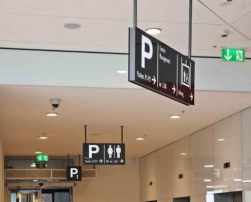 Schreib+Keppler inszeniert Ihren Markenauftritt mit Lichtwerbung, Schildern, Digital Signage, Werbetürmen - Shoppingcenter Systeme