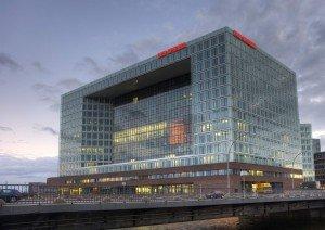Der Spiegel Headquarter Lichtwerbung Hamburg Schreib+Keppler Lichtwerbeanlage Außenwerbung Leuchtreklame Logoprofil Hafencity