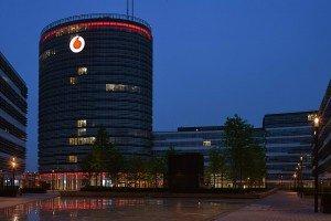 Vodafone Headquarter Düsseldorf Digital Signage Lichtwerbung Hamburg Schreib+Keppler Lichtwerbeanlage Außenwerbung Leuchtreklame