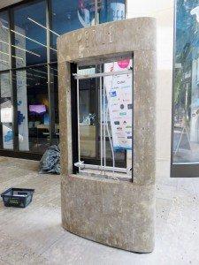 Präzise gearbeitete Hohlräume beherbergen und schützen die eingebaute Technik