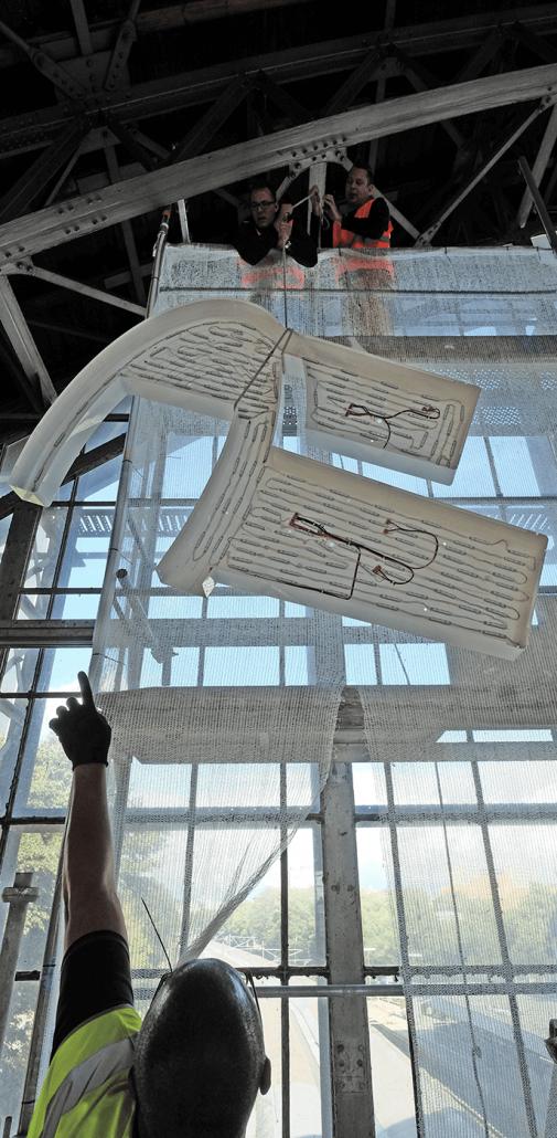 Bahnhof Hamburg Deutschland Lichtwerbung Schreib+Keppler, Zapfinselbeleuchtung, Preisauszeichnungsmasten Lichtwerbeanlagen, Lichtreklame, Leuchtreklame Außenwerbung Banner Werbemasten Shopsysteme